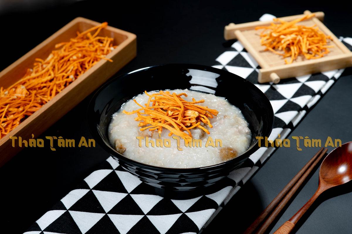 Cháo Đông trùng hạ thảo – Món ăn bổ dưỡng, dễ làm