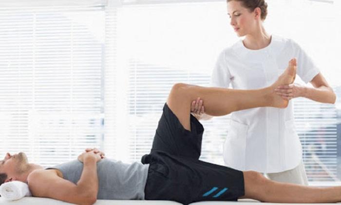 Vận động chân cho người liệt